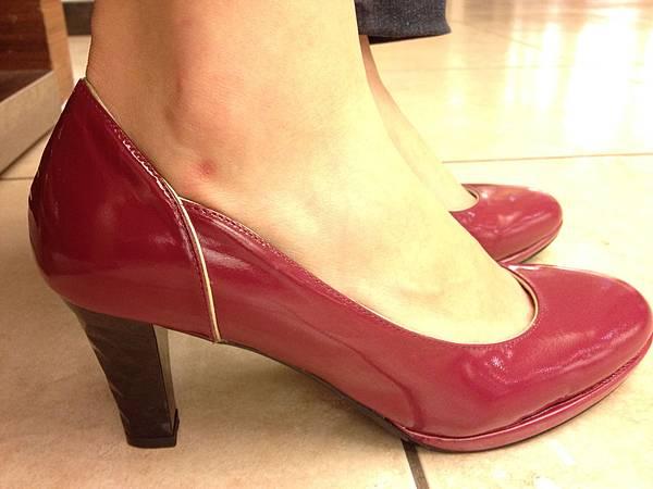 紅鞋女孩!