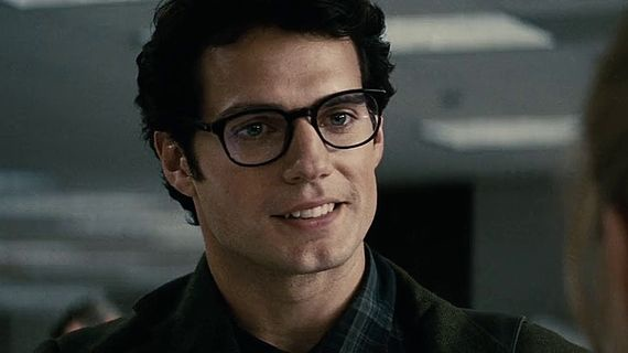 glasses-first-look-at-henry-cavill-as-clark-kent-in-batman-v-superman-set-photo.jpg