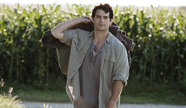 henry-cavill-in-man-of-steel-41861_w650.jpg
