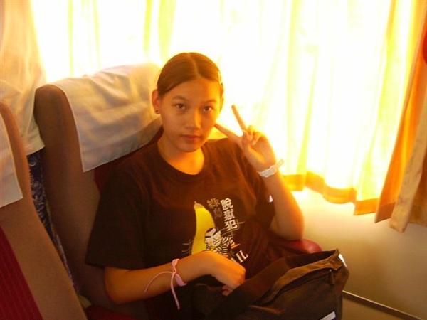 2003- 嗯....我的手指果然很長啊~XD
