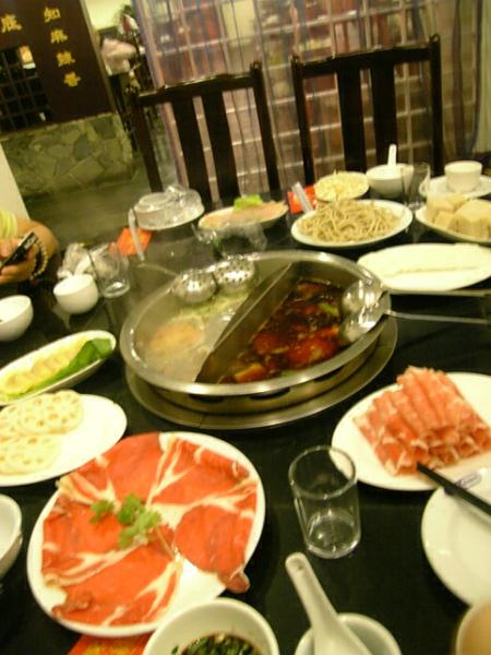 到上海又吃到最愛的麻辣火鍋