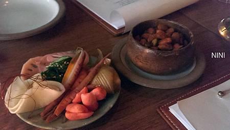 醃漬小菜 & 咖哩杏仁
