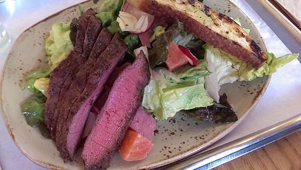 Backyard Steak Big Salad