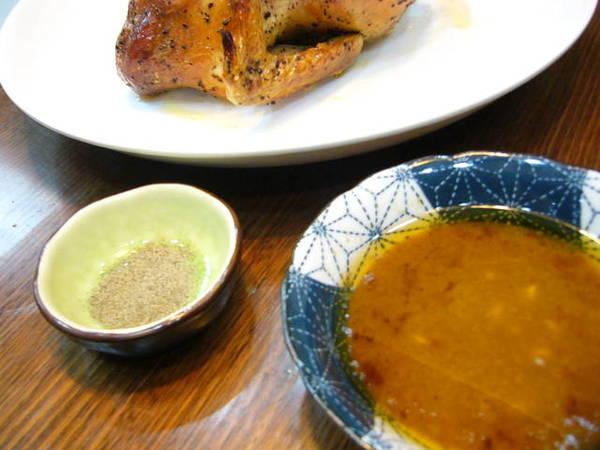 鍋裡的湯汁,可以當沾醬,如果你喜歡味道多些,可以再加點洋蔥末