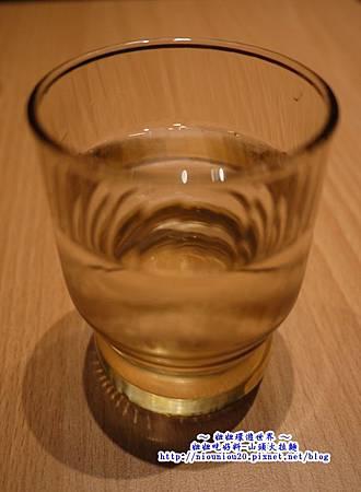 山頭火拉麵_08日本食堂都會有的一杯水