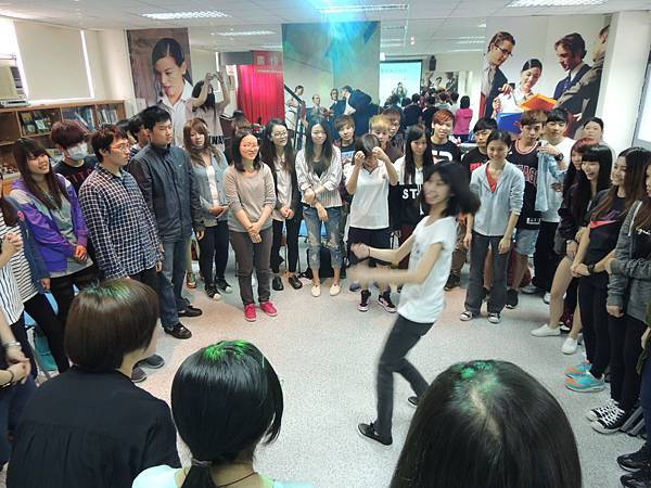 20140326德霖技術學院導覽儀態與表達情性肢體訓練 (10)