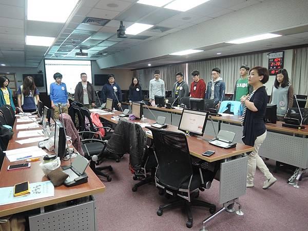 心彤老師帶領林口長庚大專志工隊「團隊向心力與凝聚力課程」 (9)