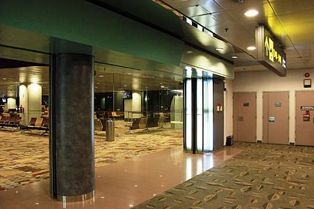 シンガポール空港第一と第二ターミナル