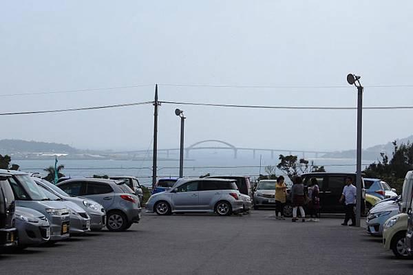ホテルマハイナウェルネスリゾートオキナワから眺めた瀬底島