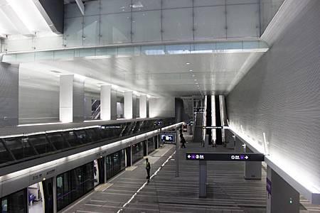 桃園空港鉄道台北駅