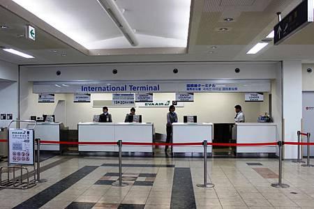エバー航空チェックインカウンター