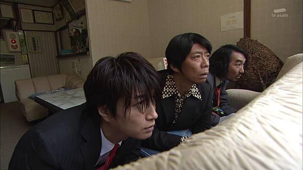 Keibuho Yabe Kenzo 2 ep04 720p HDTV x264 AAC-NGB[22-45-19].JPG