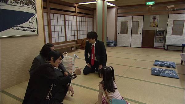 Keibuho Yabe Kenzo 2 ep04 720p HDTV x264 AAC-NGB[23-23-06].JPG