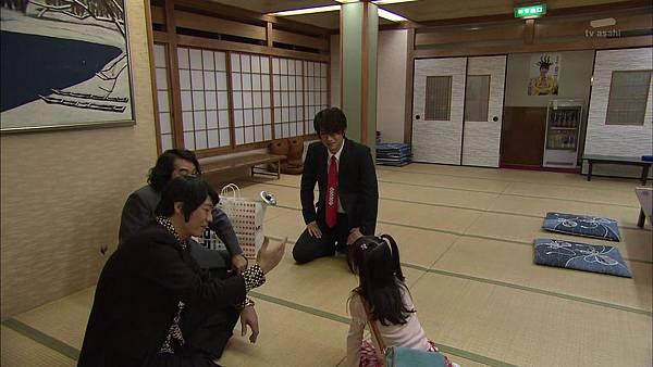 Keibuho Yabe Kenzo 2 ep04 720p HDTV x264 AAC-NGB[23-23-08].JPG
