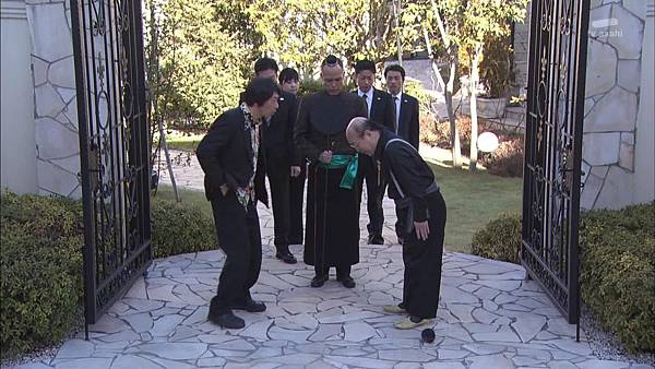 [130809][EXd]TRICK番外編 警部補矢部謙三2 #5[22-52-25].JPG