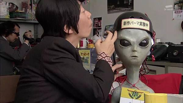 Keibuho Yabe Kenzo S2 ep06 (1280x720 x264)[21-26-09].JPG