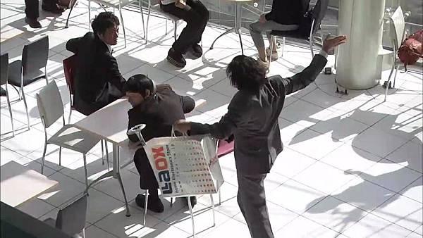 Keibuho Yabe Kenzo S2 ep06 (1280x720 x264)[00-43-24].JPG
