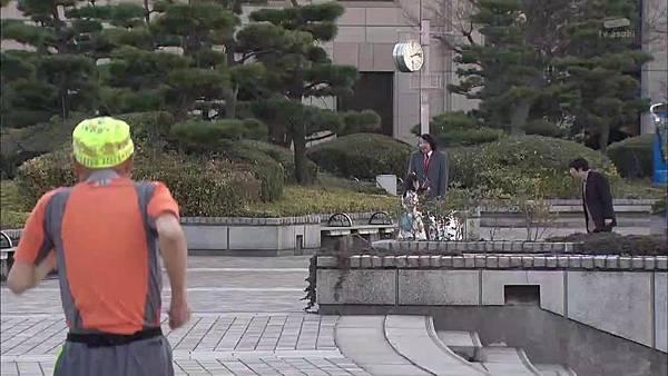 Keibuho Yabe Kenzo S2 ep06 (1280x720 x264)[00-46-52].JPG