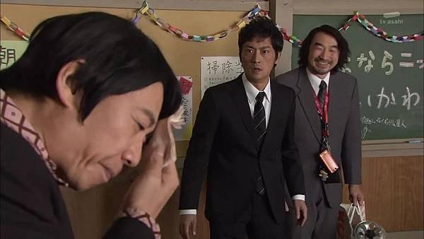 Keibuho Yabe Kenzo S2 ep06 (1280x720 x264)[01-08-30].JPG