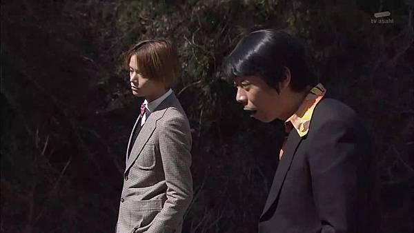 Keibuho Yabe Kenzo S2 ep07 (1280x720 x264)[15-42-59].JPG