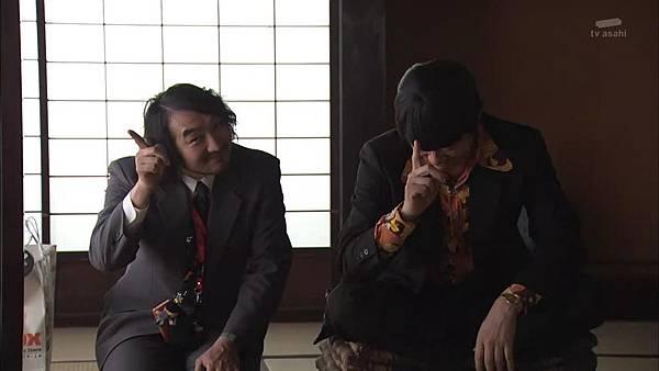 Keibuho Yabe Kenzo S2 ep07 (1280x720 x264)[15-47-38].JPG