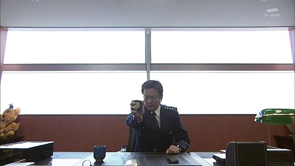 Keibuho Yabe Kenzo S2 ep07 (1280x720 x264)[16-20-09].JPG