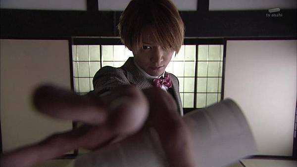 Keibuho Yabe Kenzo 2 ep07 720p HDTV x264 AAC-NGB[01-48-23]