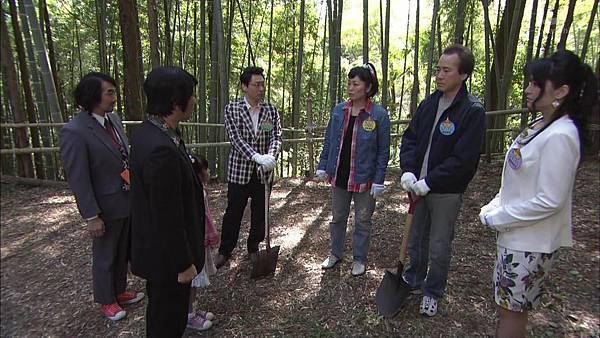 [130830][EXd]TRICK番外編 警部補矢部謙三2 #8[16-19-05].JPG