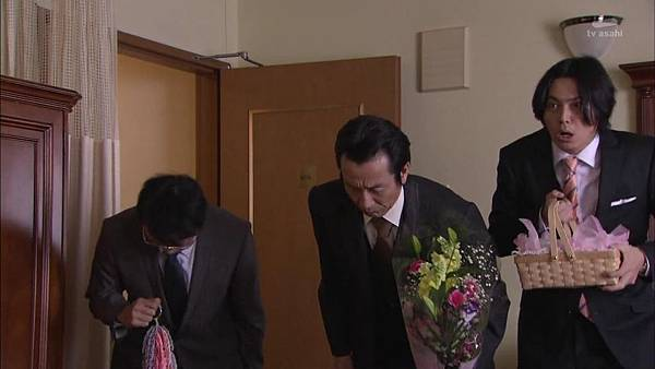 [130830][EXd]TRICK番外編 警部補矢部謙三2 #8[16-53-27].JPG