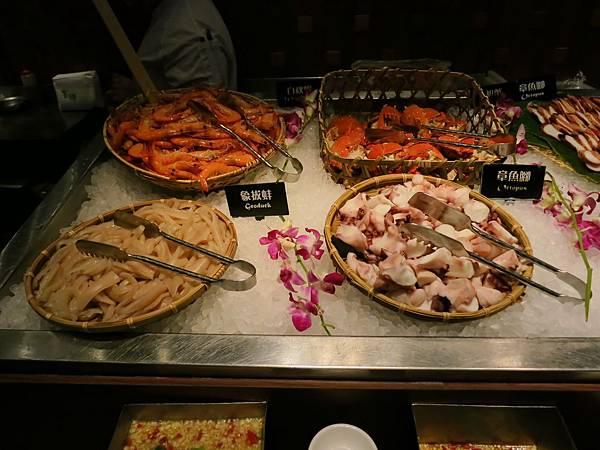 誠品-泰市場-泰式料理吃到飽-旭蟹、章魚