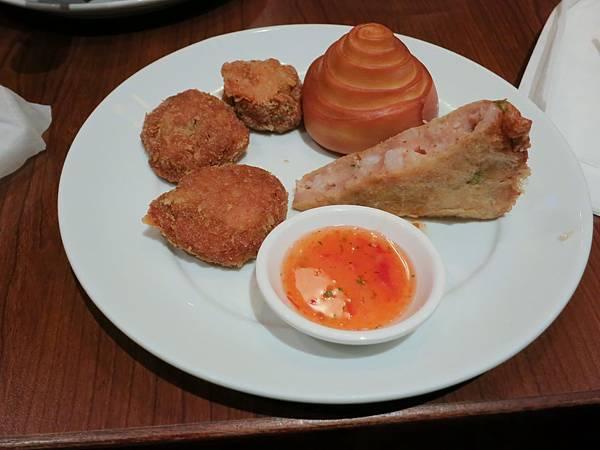 誠品-泰市場-泰式料理吃到飽-炸區金錢蝦餅