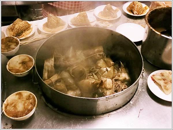 高雄-美食小吃-郭家肉粽、碗粿-肉綜