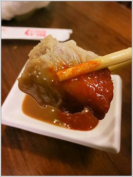 高雄-美食小吃-郭家肉粽、碗粿-瘦肉沾醬