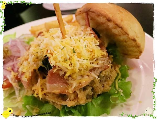 台北-Rock Shock 驚嚇搖滾廚房-聖誕夜驚魂-漢堡套餐-漢堡