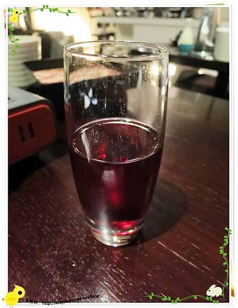 台北-本沐食堂-美味的壽喜燒吃到飽-蔓越莓汁