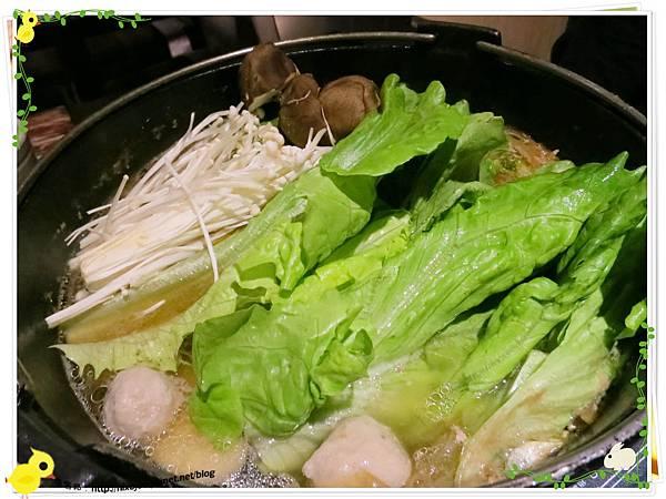 台北-本沐食堂-美味的壽喜燒吃到飽-蔬菜