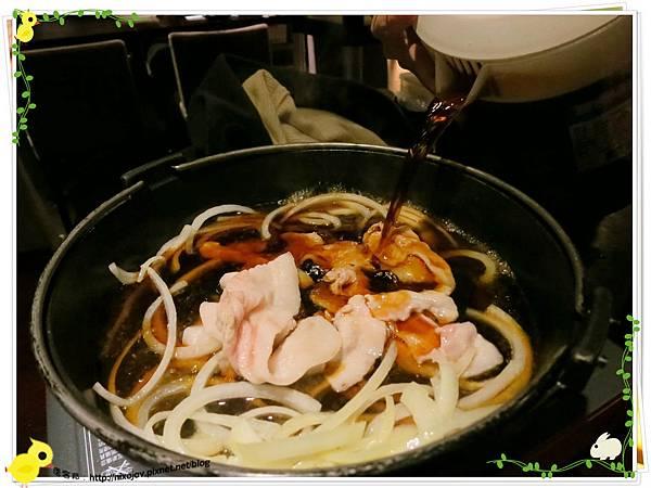 台北-本沐食堂-美味的壽喜燒吃到飽-炒洋蔥豬肉