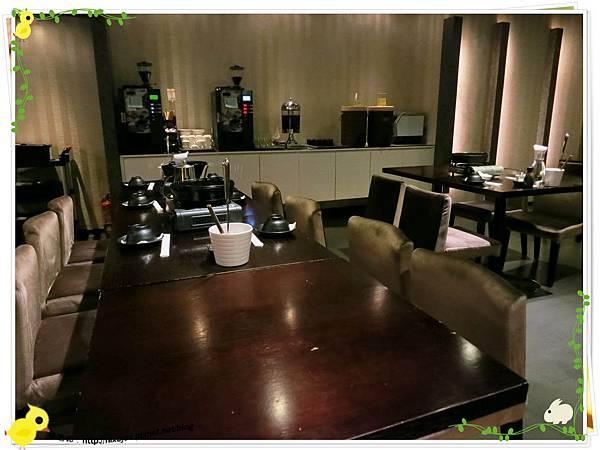台北-本沐食堂-美味的壽喜燒吃到飽-店內裝潢