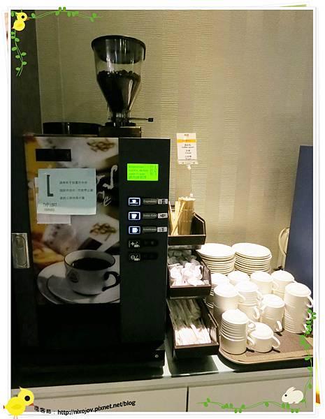 台北-本沐食堂-美味的壽喜燒吃到飽-咖啡機