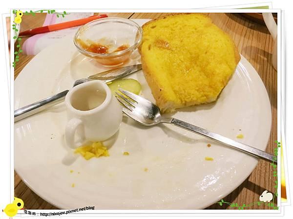 台北-鯊魚咬吐司-變成可怕的吐司-白腸雙併炒蛋布丁吐司
