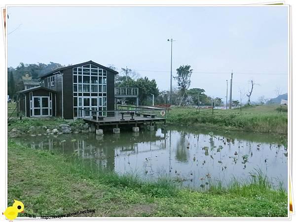 台北-南港山水綠生態-山豬窟化身成池畔木屋-小屋