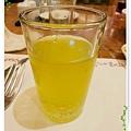 桃園-住都飯店晚餐buffet吃到飽-超出期待的美味-柳橙汁