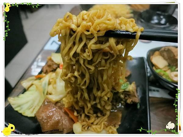 台北-三杯三怪媽媽小廚-美味的三杯料理-三杯雞炒泡麵-泡麵