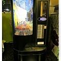 台北-新莊、輔大捷運站-饗厚牛排-享受厚度的美味-自助吧-咖啡機