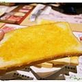 台北-新莊、輔大捷運站-饗厚牛排-享受厚度的美味-自助吧-冰淇淋台北-新莊、輔大捷運站-饗厚牛排-享受厚度的美味-香蒜麵包