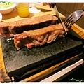 台北-新莊、輔大捷運站-饗厚牛排-享受厚度的美味-自助吧-冰淇淋台北-新莊、輔大捷運站-饗厚牛排-享受厚度的美味-岩燒特級無骨牛小排11oz