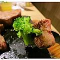 台北-新莊、輔大捷運站-饗厚牛排-享受厚度的美味-自助吧-冰淇淋台北-新莊、輔大捷運站-饗厚牛排-享受厚度的美味-岩燒特級無骨牛小排11oz-花椰菜