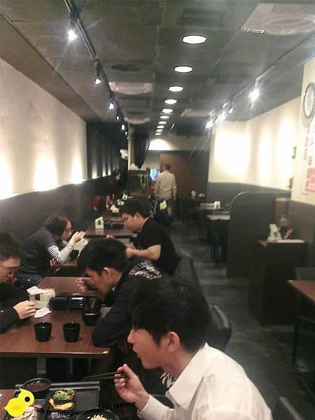 台北-台北車站-築地鮮魚-平價日式生魚片-魚肉吃到飽-環境