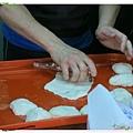 宜蘭-礁溪-柯氏蔥油餅-到此一遊,不吃遺憾-柯氏蔥油餅加蛋-瓶子桿麵