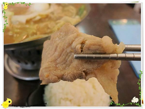 新莊-馨媽香香鍋-『在地人的美味』-大腸臭臭鍋-豬肉片